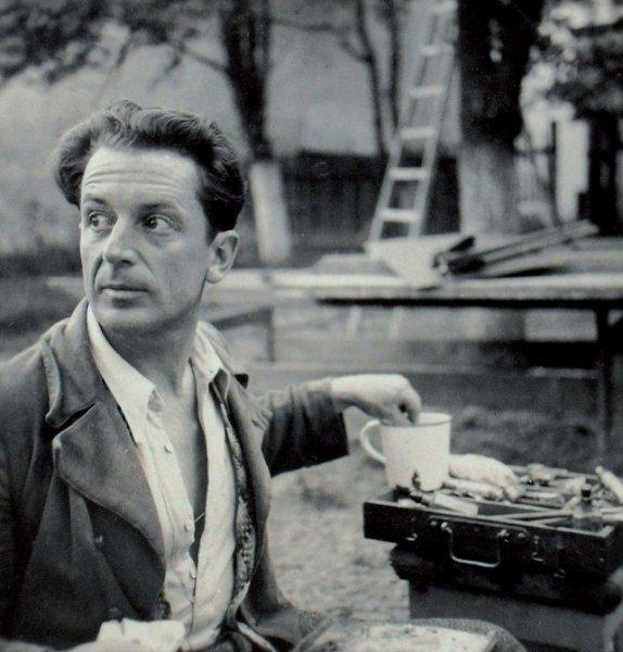 george-lowendal-in-fata-sevaletului-1935