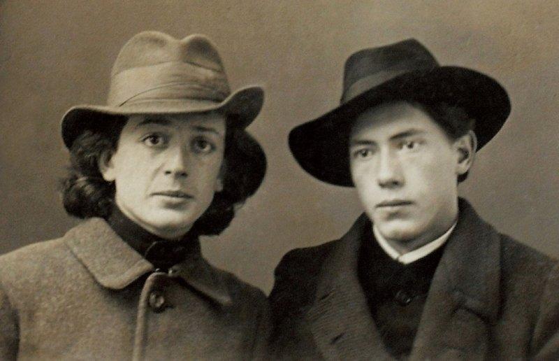 09-studentul-la-arte-george-lowendal-si-colegul-sau-baron-nikolai-elsner-sankt-petersburg-septembrie-1918
