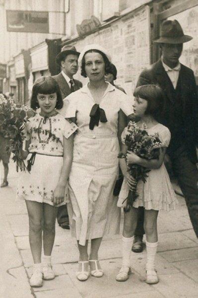 29-ariadna-si-fiicele-sale-cernauti-1934